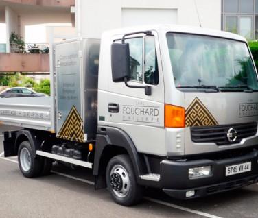 marquage-adhesif-vehicule-publicitaire-agence-contraste-les-sables-d-olonne-vendee